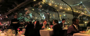 Cruzeiro-jantar no Bateaux New York