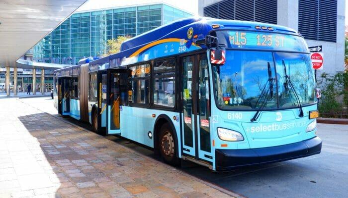 Ônibus em Nova York - Ônibus na 9th Avenue