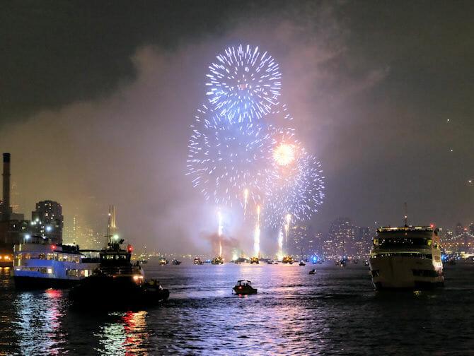 Passeio de barco noturno para a Estátua da Liberdade