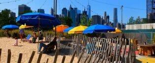 Piscina no Brooklyn Bridge Park em Nova York