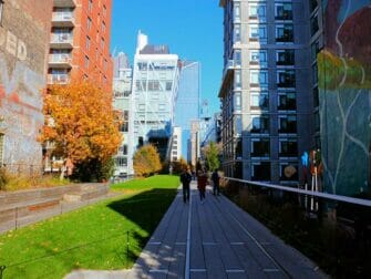 High Line Park em Nova York - Rodeado por Prédios