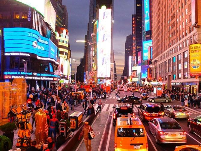 Big Bus em Nova York - Times Square a noite