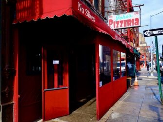 Melhor Pizza de Nova York - John's Pizzeria
