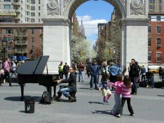 Parques em Nova York - música ao vivo no Washington Square Park