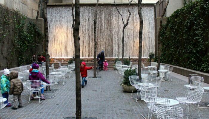Parques em Nova York - Paley Park