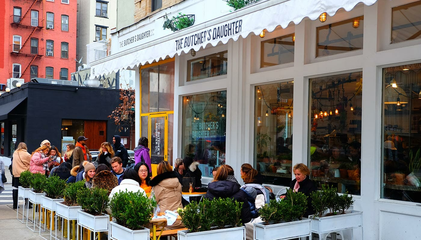 Restaurantes vegetarianos em Nova York - Terraço do The Butcher's Daughter