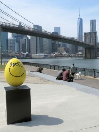 Ovo de Páscoa Amarelo em Nova York