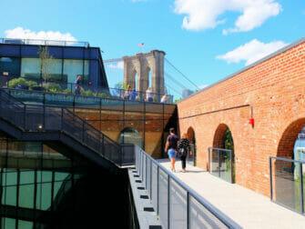 Brooklyn Bridge Park em Nova York - Terraço do Empire Stores