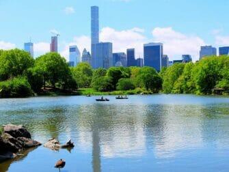 Aluguel de Barco a Remo no Central Park - Lago