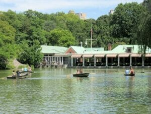 Aluguel de Barco a Remo no Central Park - The Loeb Boathouse