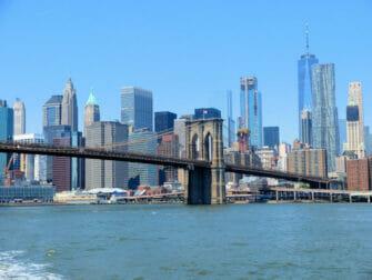 NYC Ferry em Nova York - Brooklyn Bridge