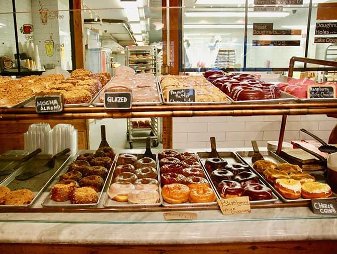 Donut Tour em Nova York - Vitrine de donuts