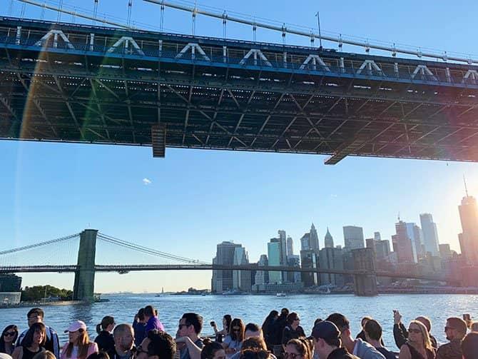 Cruzeiro Happy Hour em Nova York - Navegando pelo East River