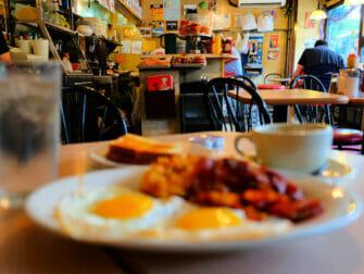 Café da manhã em Nova York - café da manhã do La Bonbonniere